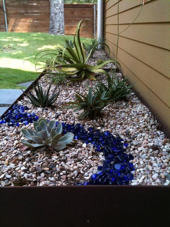 glass and rock garden edging ideas