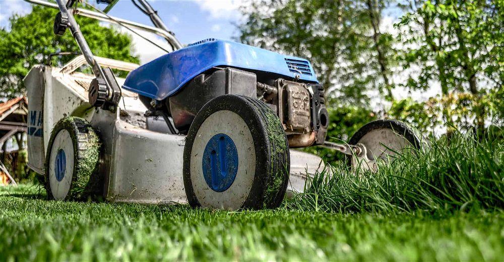 lawnmower-blade