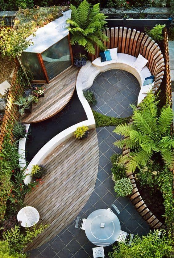 curved edging small garden design