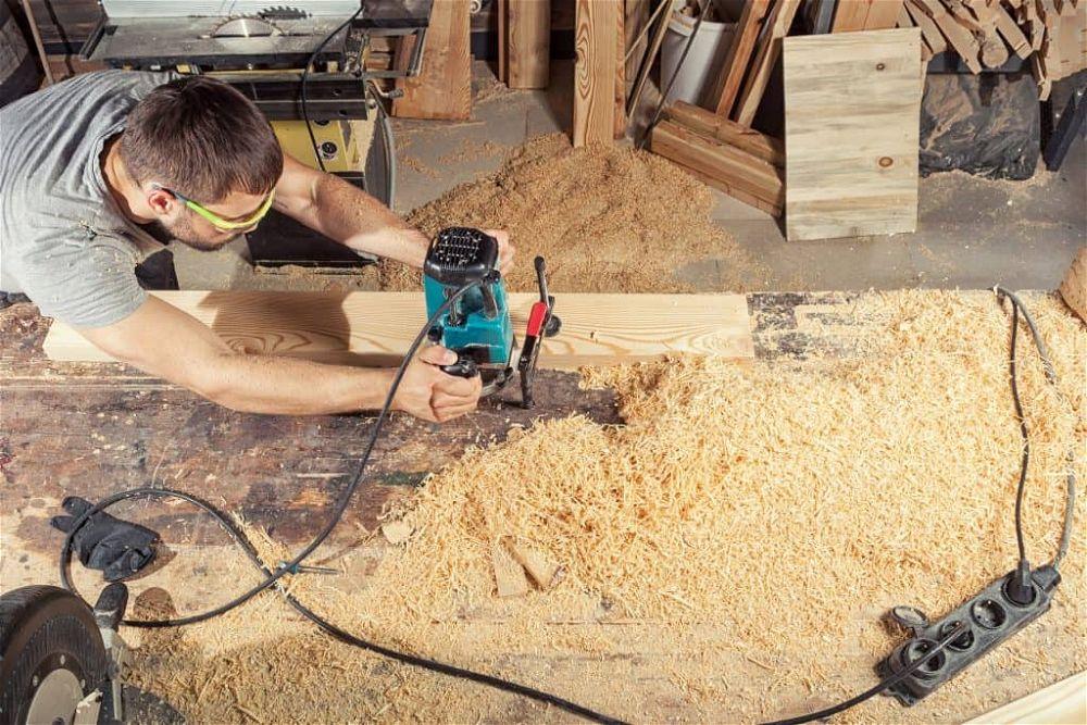woodwork sanding