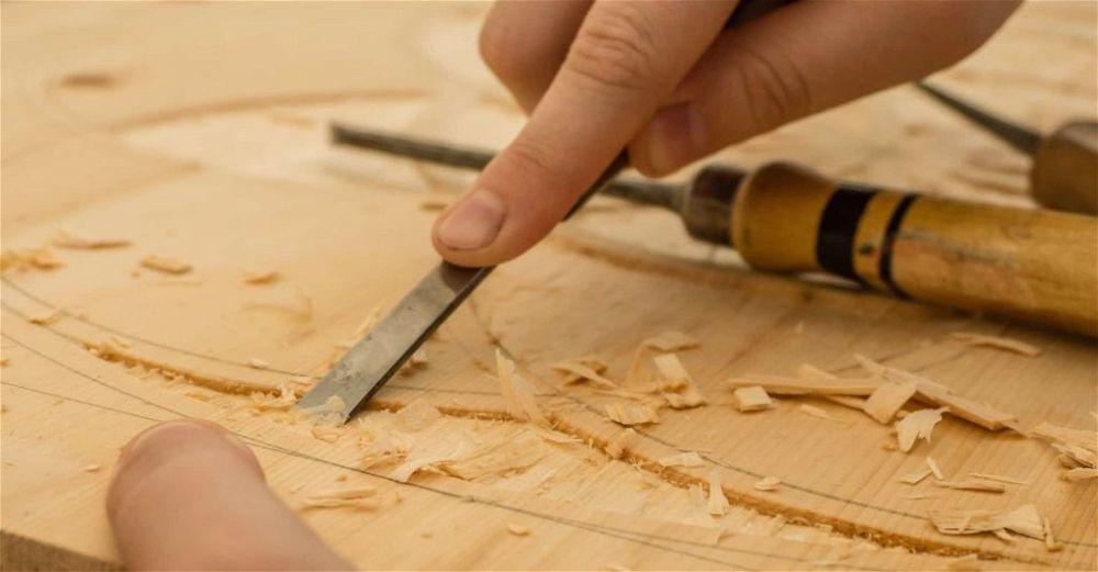 wood-chisel