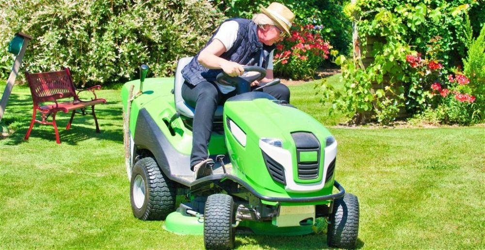 best-ride-on-lawn-mower-lifter