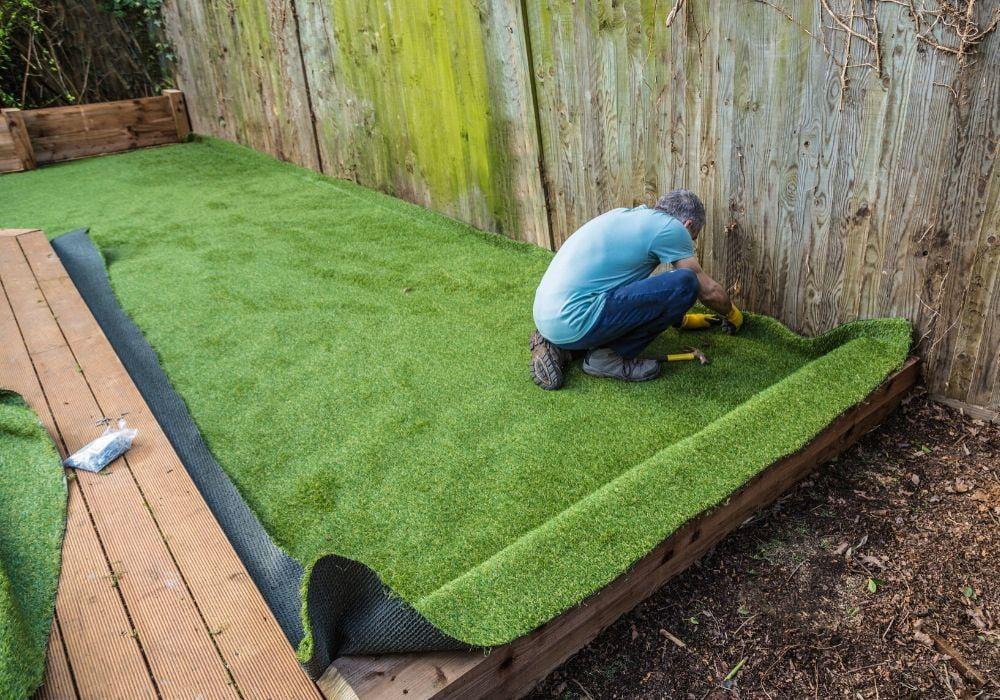 artificial-grass-benefit-easy-installation