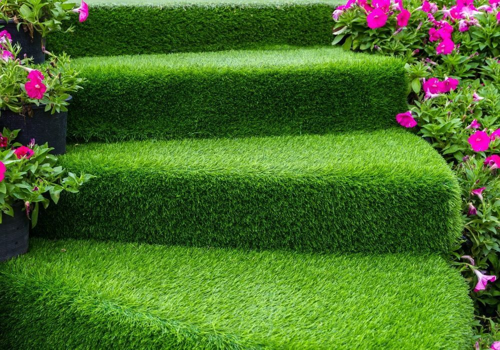 artificial-grass-benefit-use-in-small-area
