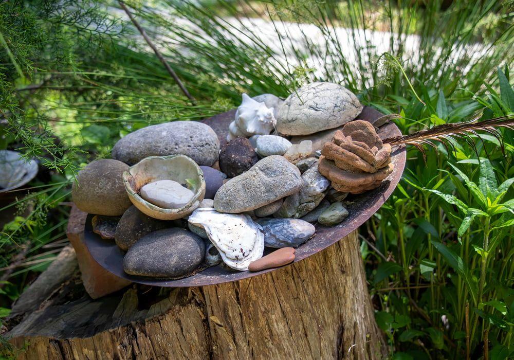 choosing-attractive-rocks