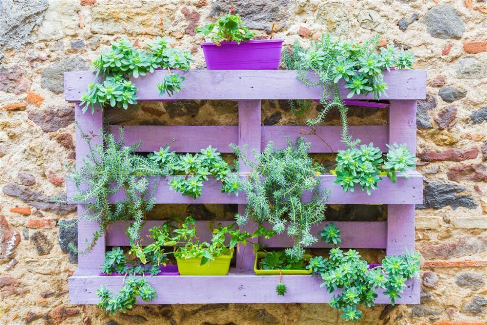 12. Cheap Garden Wall