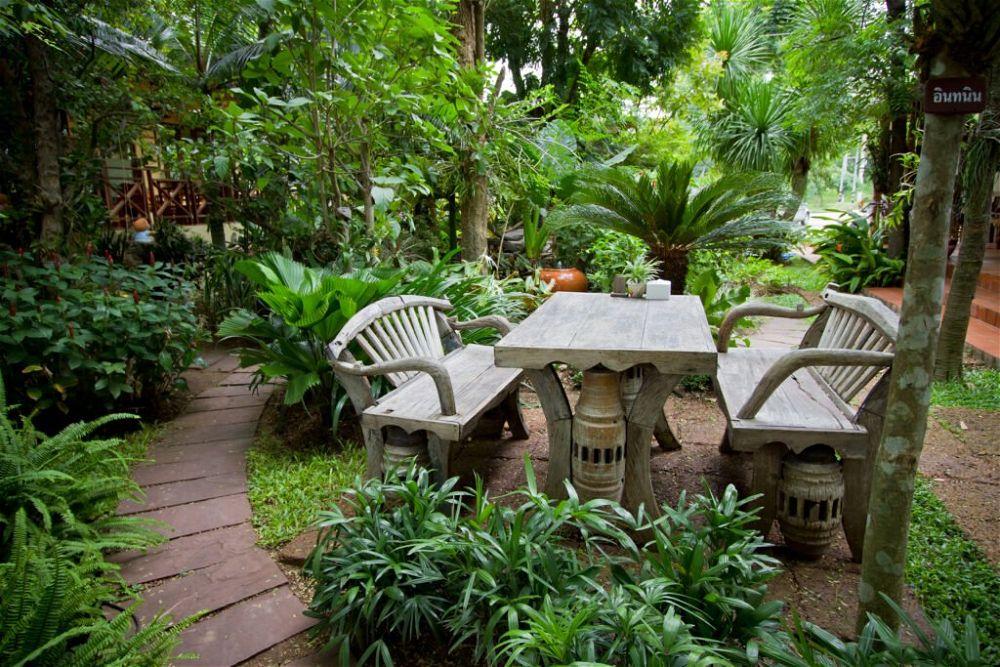 20. Tropical Patio Garden