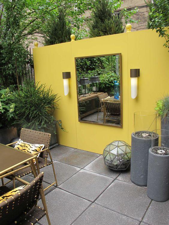 24. Garden Wall Colour
