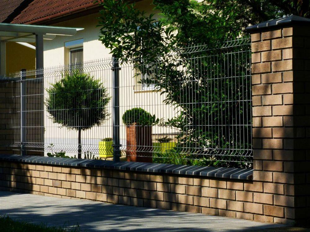 32. Wire Garden Fence