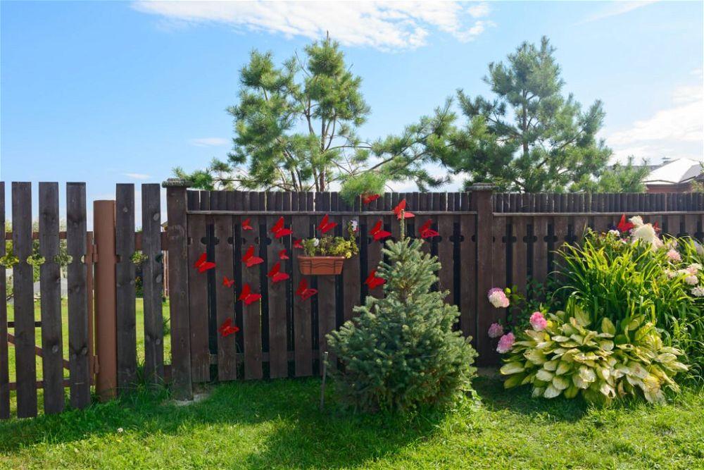 37. Decorative Garden Fence