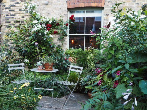 4. Cottage Patio Garden