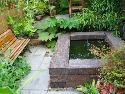 11. Estanque de jardín en esquina