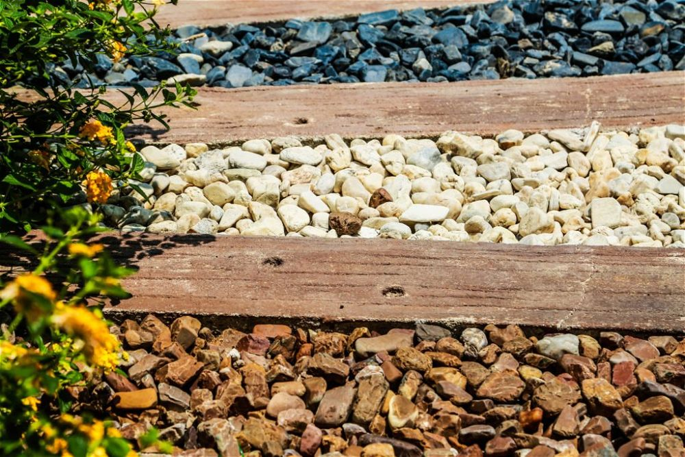 15. Creative Garden Path