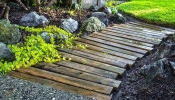 22. Cheap Easy Garden Path