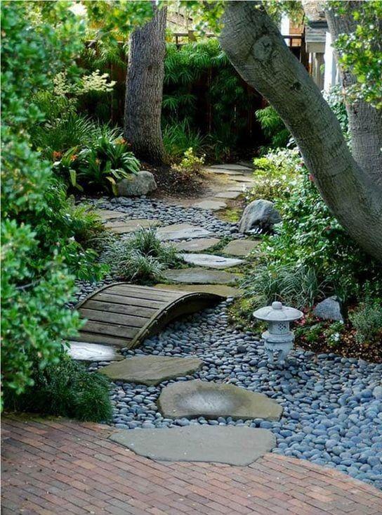 25. Garden Path Walkway