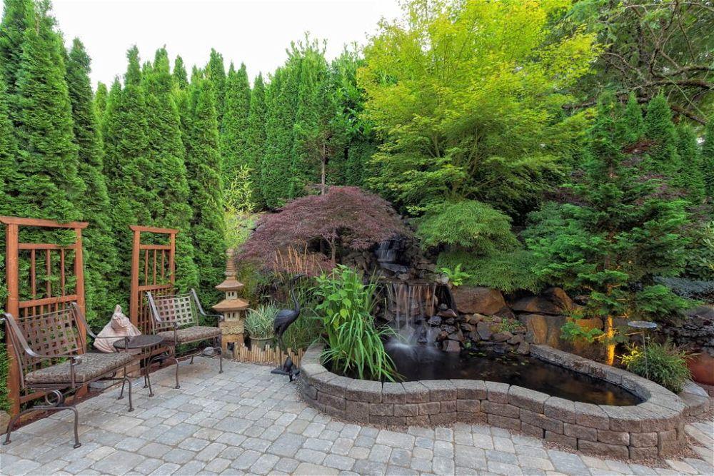 27. Patio del jardín japonés