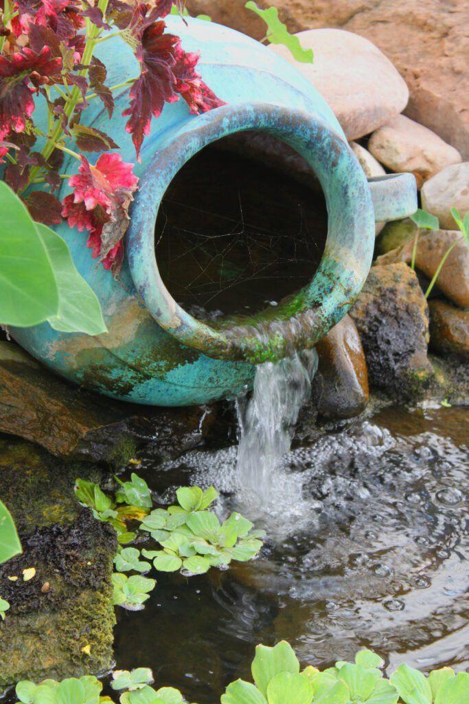3. Diseño de estanque de jardín pequeño