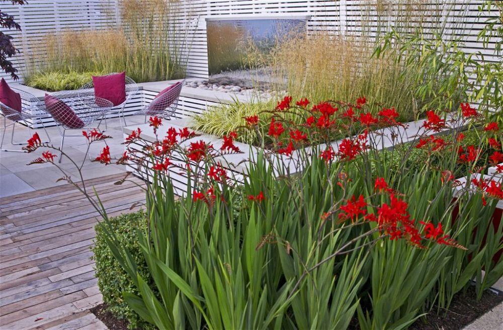 10. Built In Garden Seating