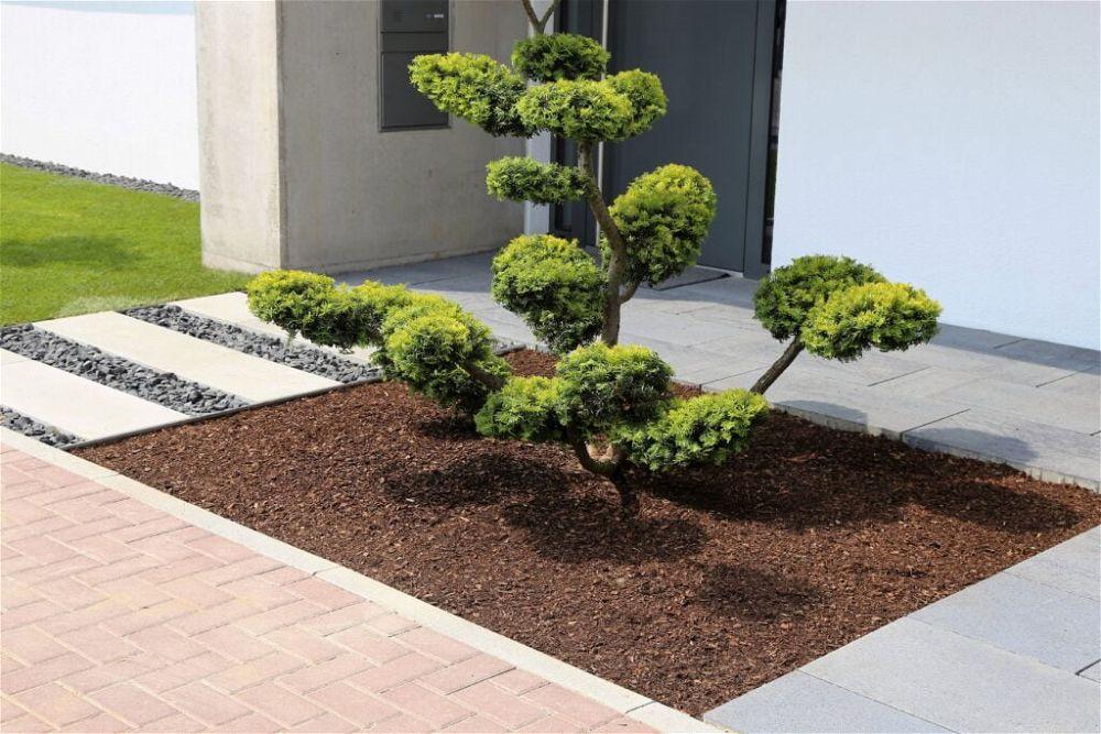 17. Modern Front Garden Landscaping