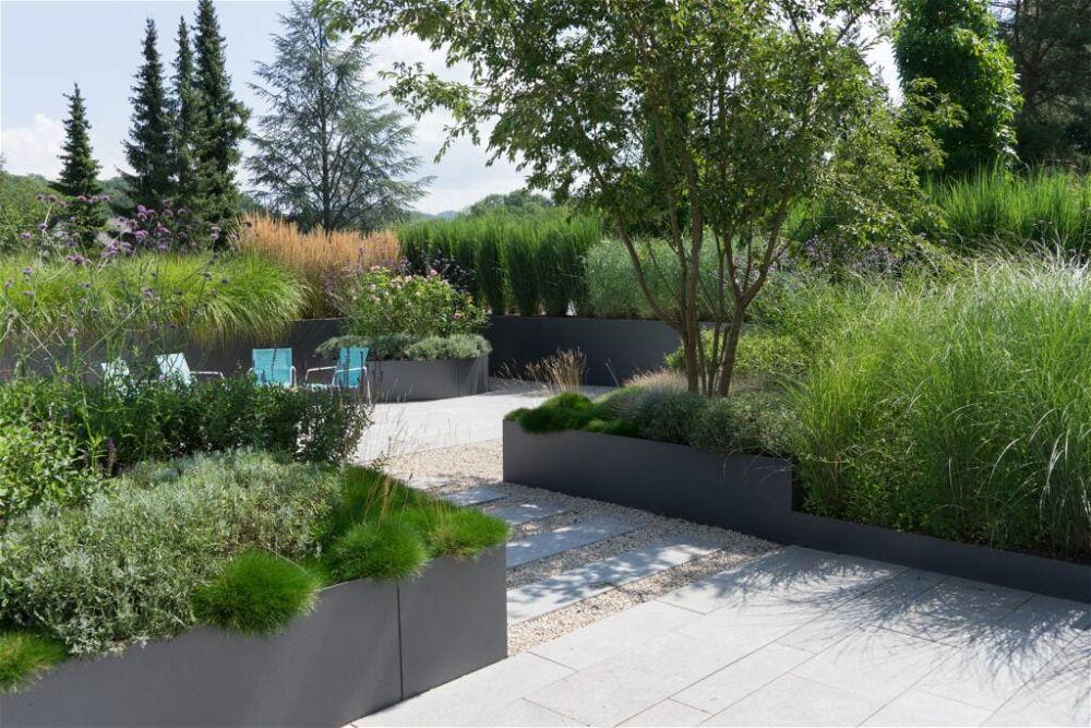 21. Modern Back Garden