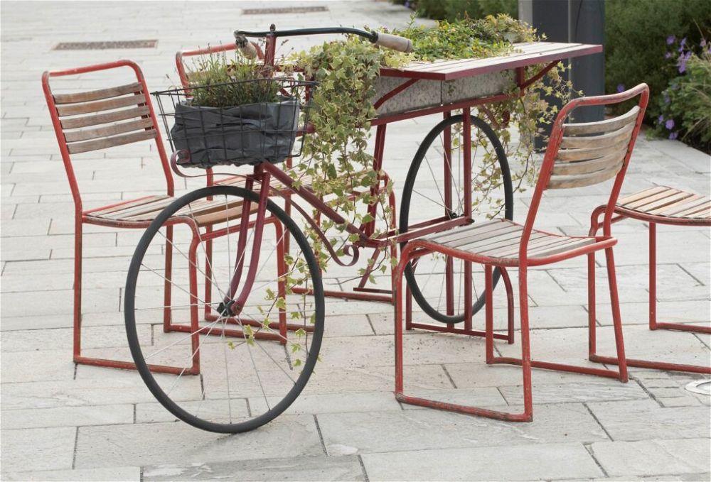 7. Garden Seating Design