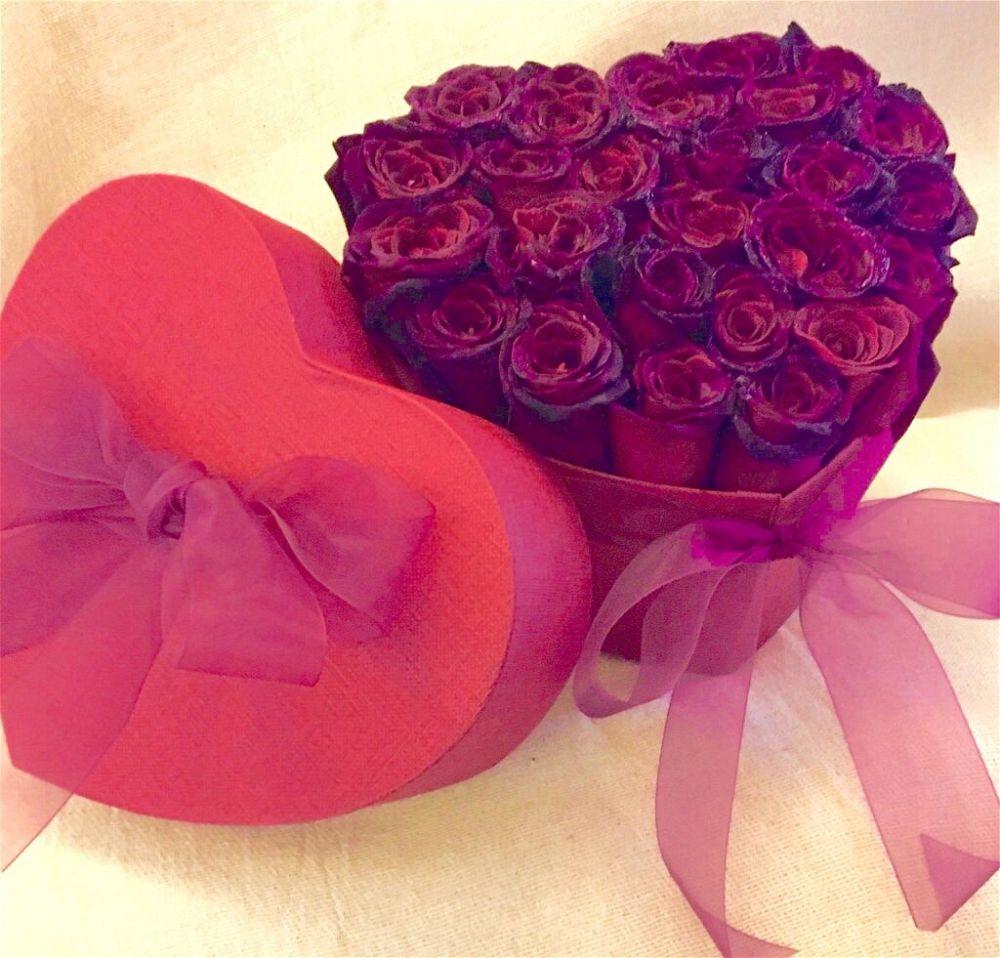 Roses heart gift box