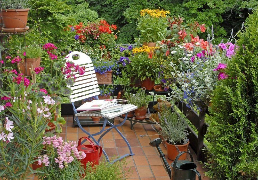 balcony-garden-watering-can