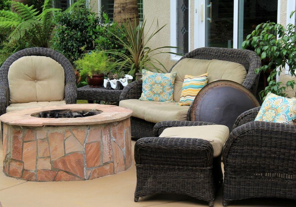 indoor-outdoor-garden-sofa-fire-pit