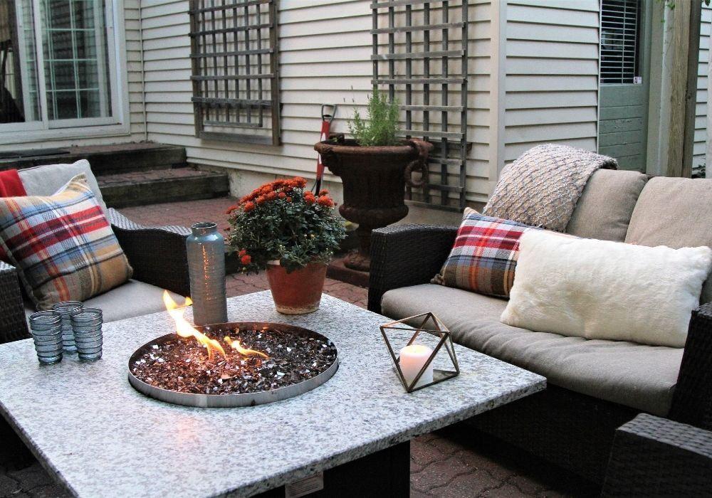 outdoor-seating-arrangement