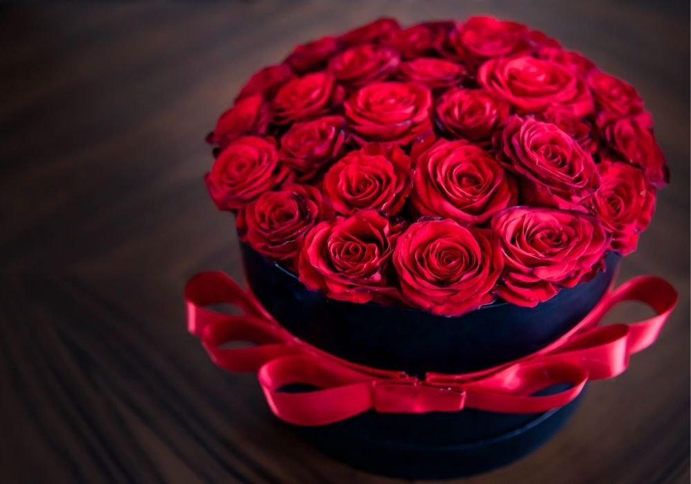 red-rose-gift-box