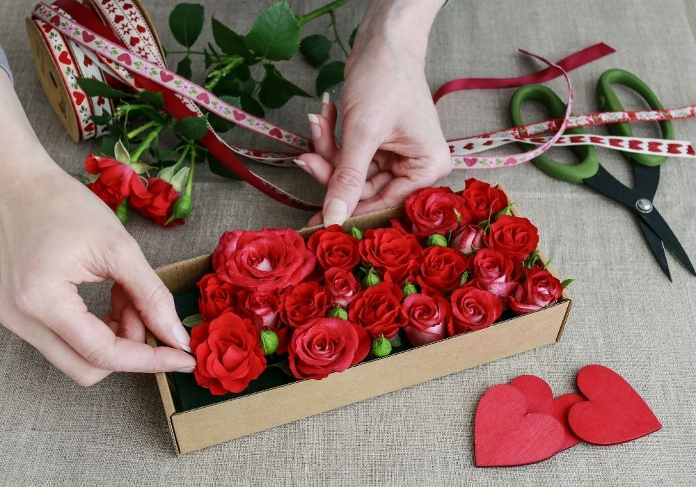 valentines-day-roses-gift-box