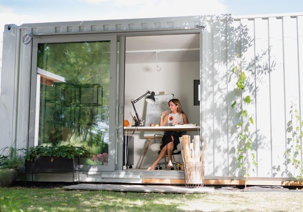 trabajo-en-jardín-oficina-habitación