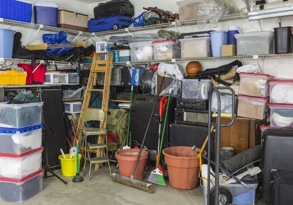 clutter-in-the-garage