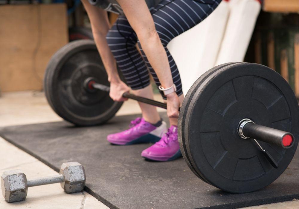 garage-home-gym-weight-lifting