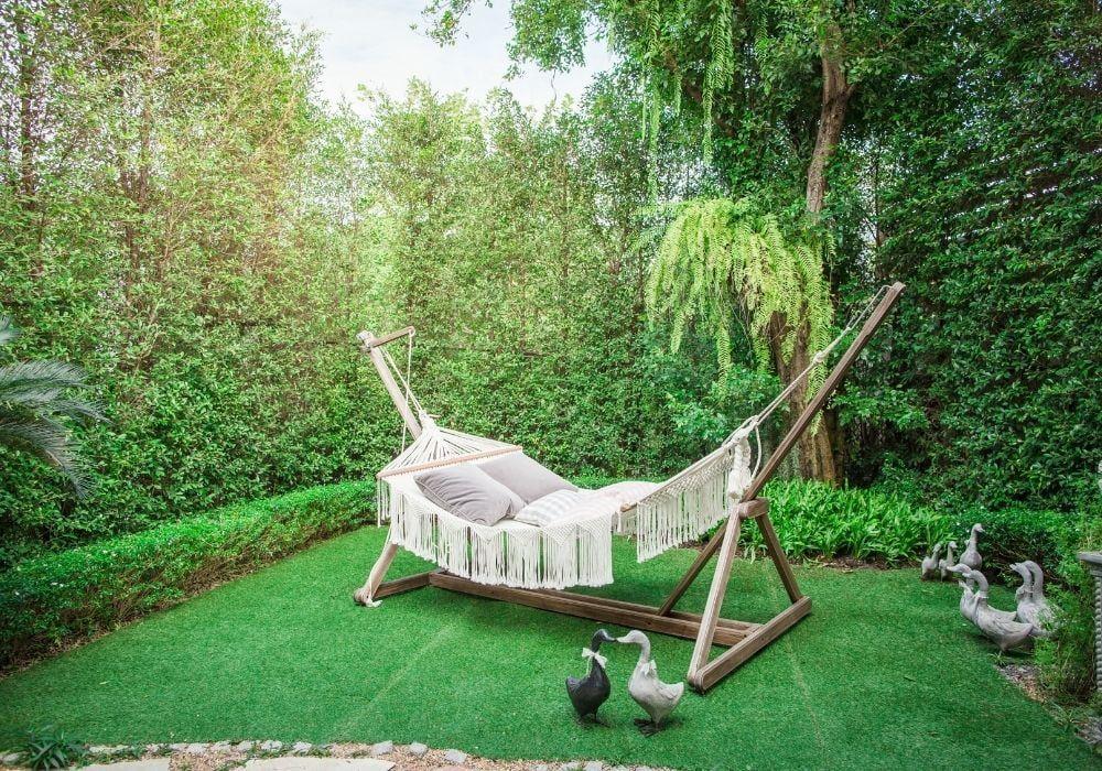 garden-hammock-with-wooden-stand