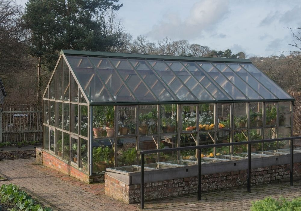 greenhouse-with-brick-foundation