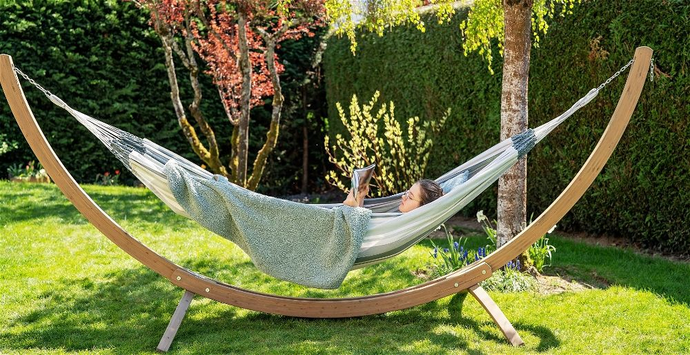 hammock-in-garden