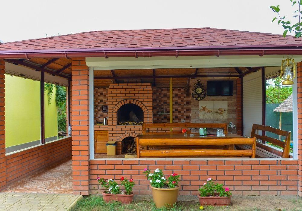 outdoor-kitchen-gazebo