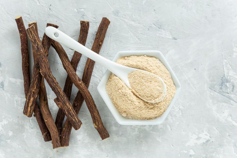 Liquorice roots and powder