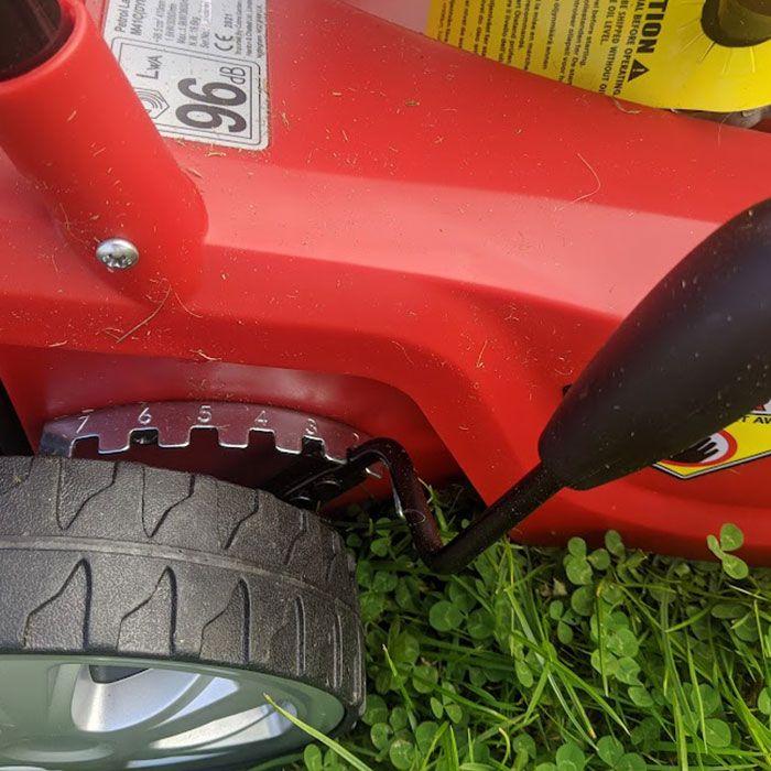 Cobra-M41C-Petrol-Lawn-Mower-Review-features