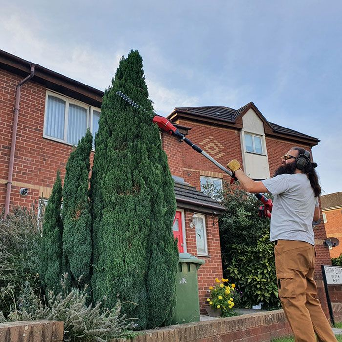 Einhell-GE-HH-18.45-Li-T-Solo-Cordless-Hedge-Trimmer-review