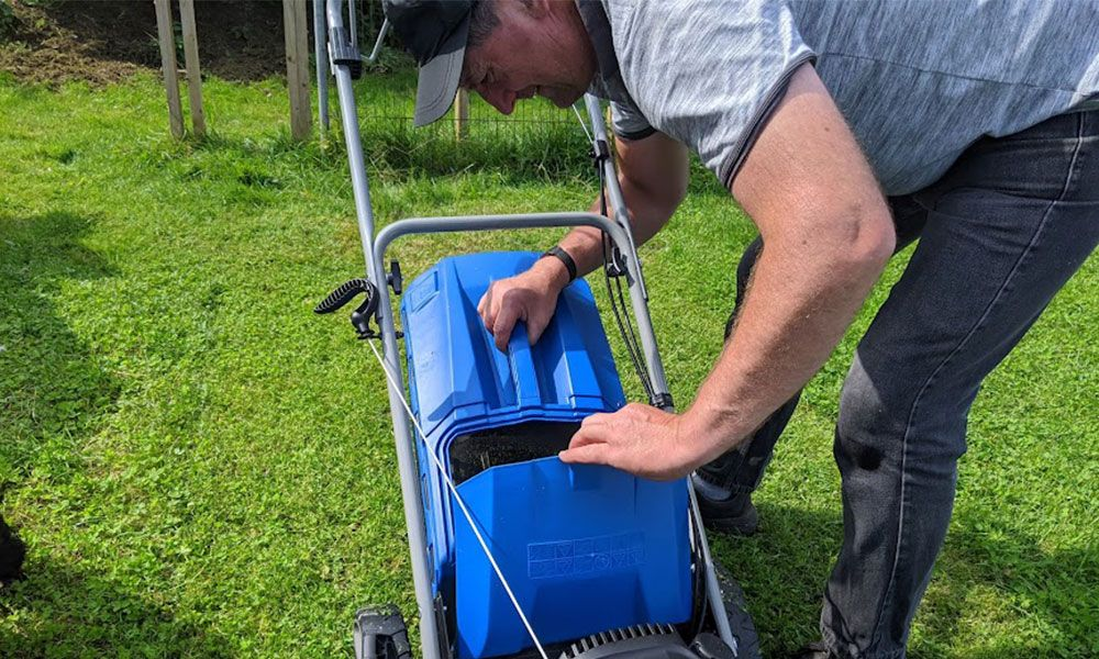 How-to-Clean-a-Petrol-Lawn-Mower