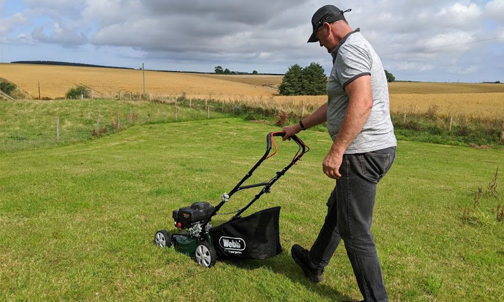 How-to-Start-a-Petrol-Lawn-Mower