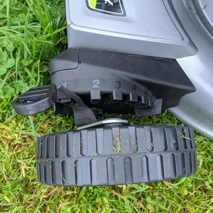 Murray-EQ200-Petrol-Lawn-Mower-Review-features