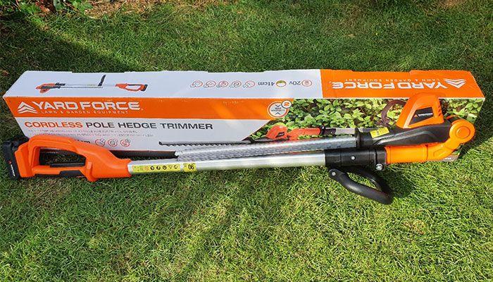 Yard-Force-20V-Cordless-Pole-Hedge-Trimmer-Review-design