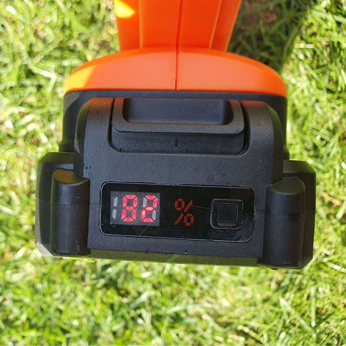 Yard-Force-20V-Cordless-Pole-Hedge-Trimmer-Review-power
