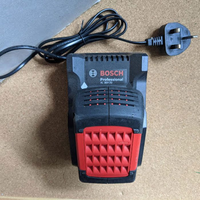 Bosch-Advanced-Grass-Cut-36-Cordless-Strimmer-Review-battery