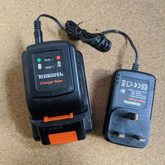 Terratek-Cordless-Grass-Strimmer-Review-battery