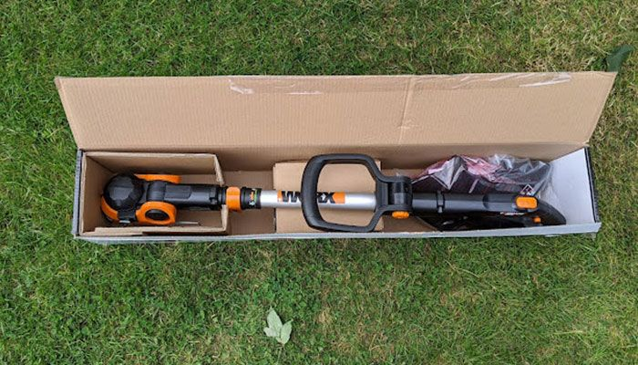 WORX-GT-3.0-Cordless-Grass-Strimmer-review-assembly